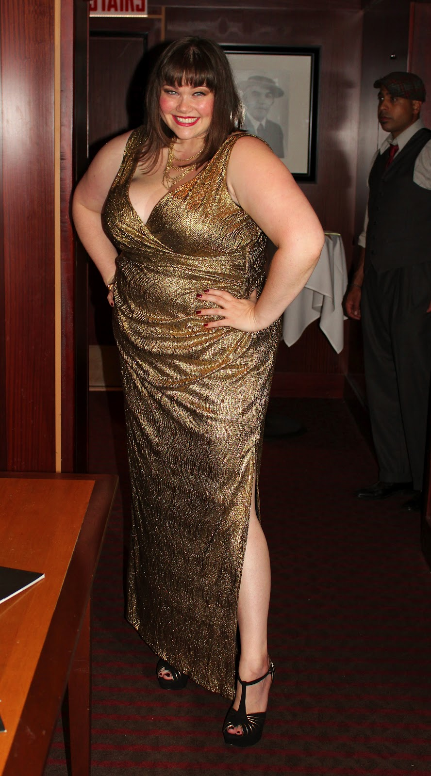 It S A Good Time To Be In The Plus Size Market: Plussize Glamour Girl: Go Gold Or Go Home « Style Plus Curves